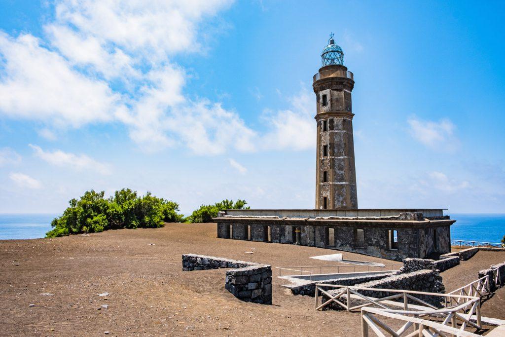 Leuchtturm auf der Insel Faial - Ponta do Albarnaz